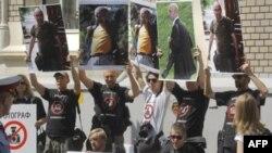 Протесты в поддержку арестованных фоторепортеров