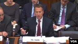 John Smith, Bivši direktor Odjela za kontrolu strane imovine (OFAC) prilikom svjedočenja pred Kongresom SAD.