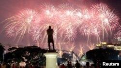 新加坡8月9日國慶遊行煙火表演