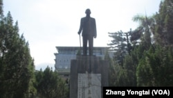 台湾校园常见的蒋介石像(资料照)