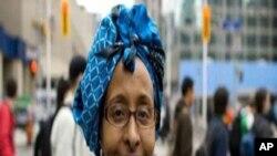 Martida Makrafoonka iyo Dr Khadija Maxamed Cali