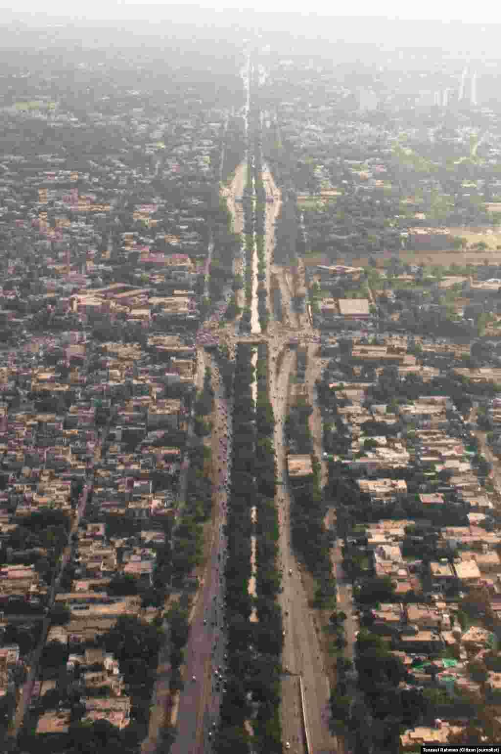 لاہور شہر کا مشہور کنال روڈ