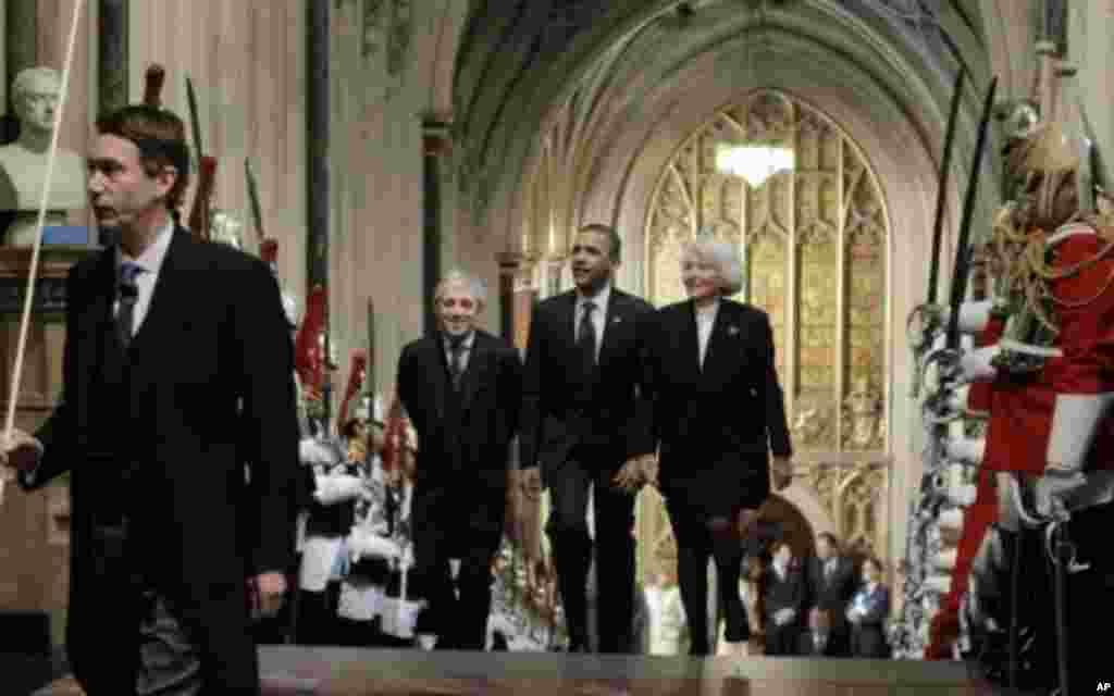سومین روز سفر بارک اوباما به اروپا، دیدار با مقامات ارشد بریتانیه