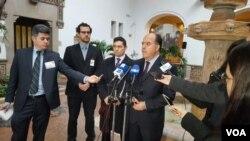 """El expresidente del Parlamento venezolano, Julio Borges, ofreció una conferencia de prensa en la OEA para denunciar las """"ilegítimas"""" elecciones del 20 de mayo. [Foto: Jorge Agobián, VOA]."""