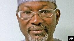 Farfasa Attahiru Jega thoshon shugaban hukumar zaben Najeriya INEC