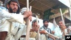 پاکستان : دخواري کښو لږ ترلږه معاش 7000 روپۍ ټاکل شوى دى