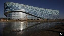 Сочи. Олимпийский ледовый центр. Архивное фото.