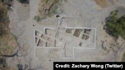 بقایای بنایی که شاید زمانی «کلیسای حواریون» بوده است. عکس از زکری وانگ
