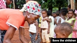 Crianças moçambicas numa creche em Maputo (Arquivo)