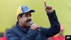 نیکولاس مادورو، رئیس جمهوری ونزوئلا روز یکشنبه برای کارگران در کاراکاس سخنرانی کرد.