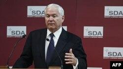 Bộ trưởng Gates nói các nhà lập pháp Mỹ đang mất kiên nhẫn dần, vì Hoa Kỳ phải cáng đáng 3/4 chi phí quốc phòng của NATO