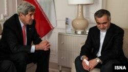 """Ngoại trưởng Mỹ John Kerry hôm thứ Sáu gửi những lời chia buồn """"sâu xa nhất"""" của Hoa Kỳ."""