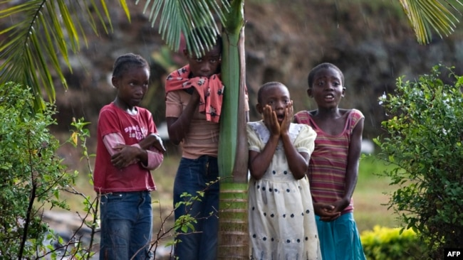 Des enfants à Yaoundé, le 18 mars 2009.