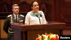 Gabriela Rivadeneira, presidenta de la Asamblea Nacional de Ecuador, impulsa el uso medicinal de la marihuana.