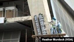 Proyek konstruksi di tengah pesatnya pembangunan. Riyadh, Saudi Arabia.
