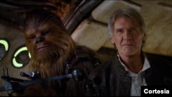 Chewbacca y Han Solo aparecen en el nuevo adelanto de la nueva entrega de la Guerra de las Galaxias: La Fuerza Despierta.