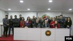 Platforma zimanê Kurdî li Amedê