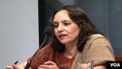 شرمیلا بوس۔ مصنفہ