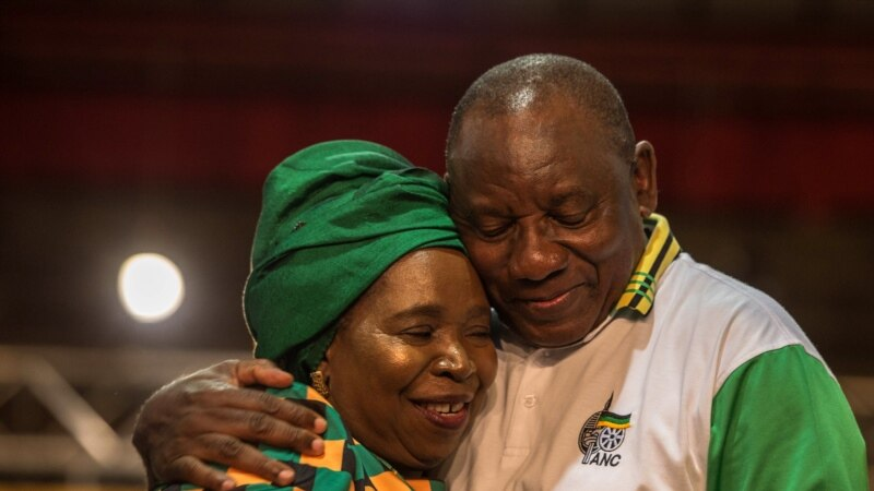 Des parlementaires sud-africains soutiennent un projet controversé de réforme agraire