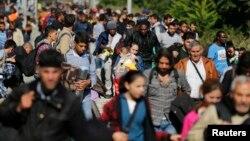 2015年9月23日為逃離中東戰亂和貧困的移民潮正集結在匈牙利邊界處。