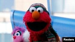 Personajes de Sesame Street como Elmo ayudarán a promover entre los niños el consumo de frutas y vegetales.