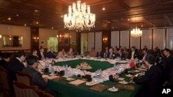 11일 파키스탄 수도 이슬라마바드에서 아프가니스탄 평화 정착을 위한 4자 회담이 열렸다. 이번 회담에는 아프가니스탄과 파키스탄, 중국, 미국이 참여했다.