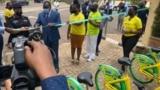 Abayobozi b'Umujyi wa Kigali batangiza gahunda yo gutwara abagenzi hakoreshejwe amagare.