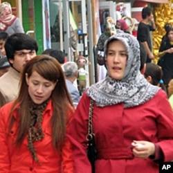 乌鲁木齐市维族人居住的地区,很少能看见汉族人