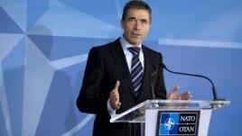 El secretario general de la OTAN Anders Fogh Rasmussen advirtió a Siria que el uso de armas químicas desataría una respuesta de la comunidad internacional.