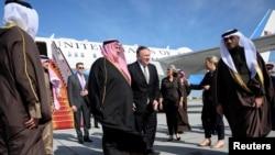 Госсекретарь США Майк Помпео и министр иностранных дел Бахрейна Халид бин Ахмед, Манама, Бахрейн, 11 января 2019 года