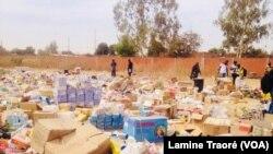 Une vue des produits pharmaceutiques illicites, à Ouagadougou, Burkina Faso, le 11 février 2019. (VOA/Lamine Traoré)