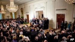 医改法案签署仪式