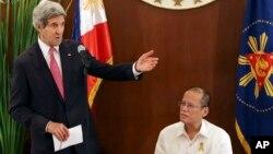 Державний секретар США Джон Керрі і президент Філіппін Бенігно Акіно
