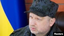 اولکساندر تورچینف رئیس جمهوری موقت اوکراین فرمان استقرار نیروهای نظامی در شرق را صادر کرد.