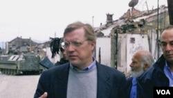 Ahli kejahatan perang AS, David Scheffer, ditunjuk menjadi penasihat pengadilan atas kejahatan Khmer Merah (foto: dok).