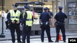 Miles de policías custodian los alrededores del edificio de la ONU en donde se desarrolla la Asamblea General de la ONU.