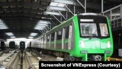 Tàu điện của dự án tuyến đường sắt Cát Linh-Hà Đông do nhà thầu Trung Quốc xây dựng. Phó Thủ tướng Trịnh Đình Dũng yêu cầu đưa dự án vào hoạt động sau nhiều năm trì hoãn. (Ảnh chụp màn hình VnExpress)
