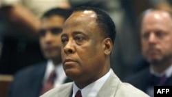 Bác sỹ Conrad Murray nói trước tòa án rằng ông là một người vô tội