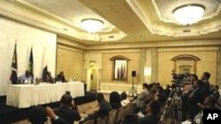 """Madagáscar: Chissano diz que regresso do ex-presidente é """"arriscado"""""""