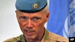 5일 다마스쿠스 기자회견장에서 발언하는 로버트 무드 유엔 감시단 대표.