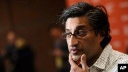 آصف کاپادیا، کارگردان