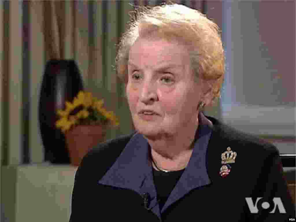 L'ancienne secrétaire d'Etat Madeleine Albright a effectué le voyage de Charlotte