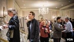 首都華盛頓共和黨選民踴躍參與初選投票(美國之音方正拍攝)