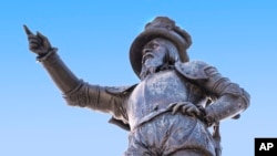 Statue of Spanish explorer Ponce de Leon located at the foot of the Bridge of Lions in St. Augustine's Plaza de La Constitucion, Florida. (Image provided by the St. Augustine, Ponte Vedra & The Beaches Visitors and Convention Bureau)