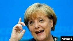 Sosyal demokratlarla hükümet kuran Almanya Başbakanı Angela Merkel