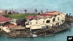 Une maison endommagée après le passage de l'ouragan Irma dans le rocher Saba de Virgin Gorda, dans les îles Vierges britanniques, 8 septembre 2017.