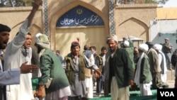 مظاهرات شماری از مردم ولسوالی های مرزی هرات در مقابل قنسلگری ایران بر ضد عملکرد ایران