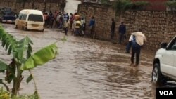Imvura y'isegenya yaguye mu mpera z'ukwezi kwa mbere uyu mwaka yabomoye amabarabara menshi mu Burundi