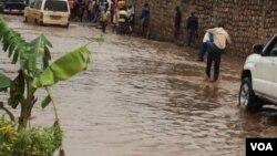 Isuku rike n'ubukene bw'amazi n'ivyo bintu nyamukuru vyatumye ingwara ya Cholera yaduka mu Burundi
