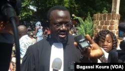 Bénéwendé Stanislas Sankara, avocat de la famille de Thomas Sankara à Ouagadougou, Burkina, 13 octobre 2015. (VOA/Bagassi Koura)